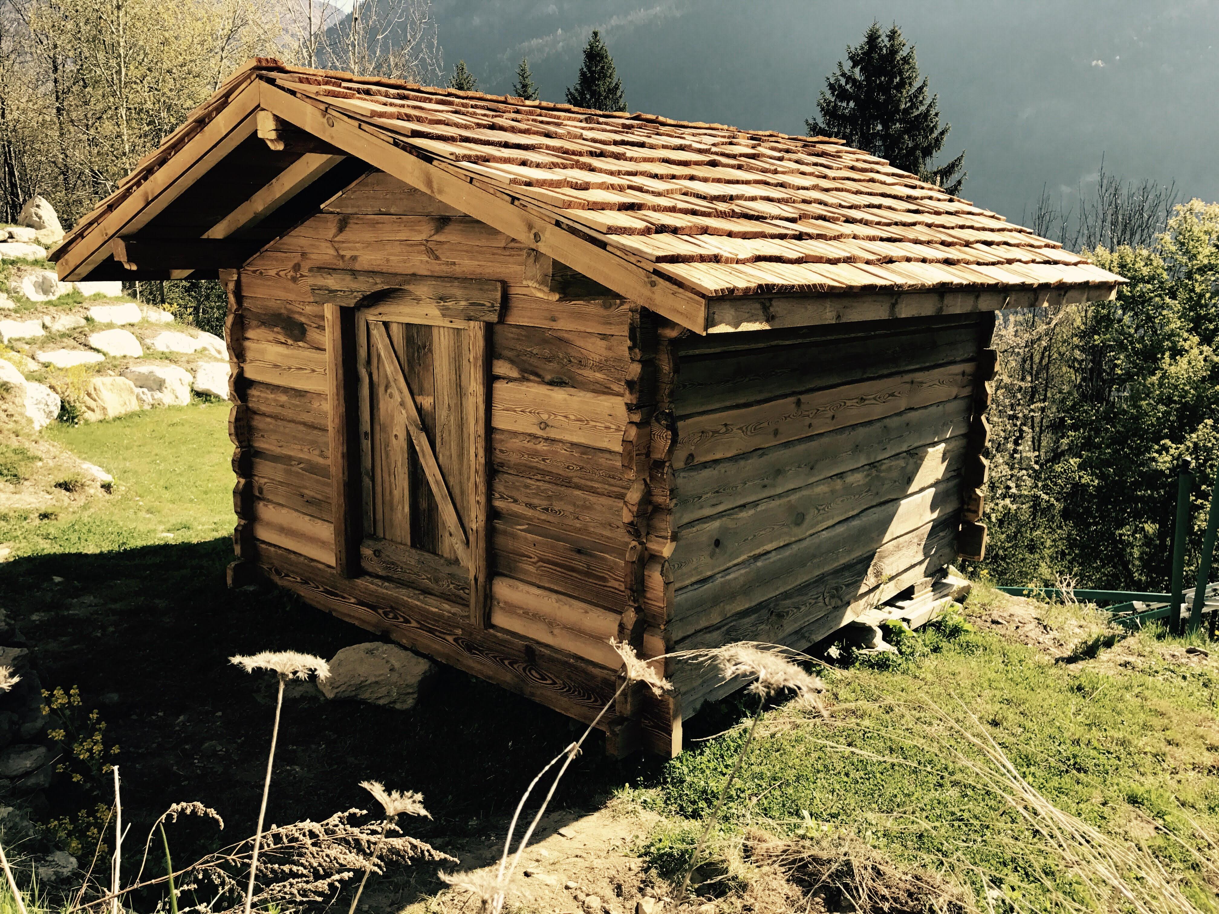 Fabrication de mazot, abri de jardin, meubles en vieux bois