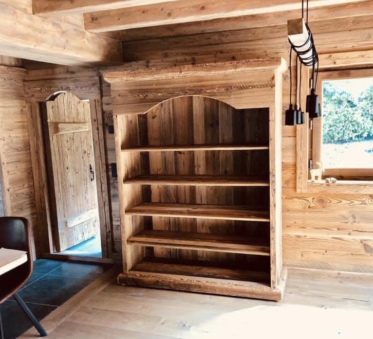 Bibliotheque en vieux bois
