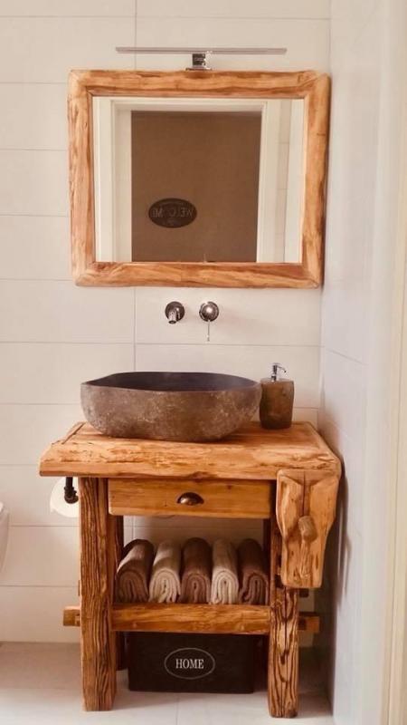Meuble salle de bain en vieux bois
