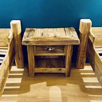 Table chevet vieux bois