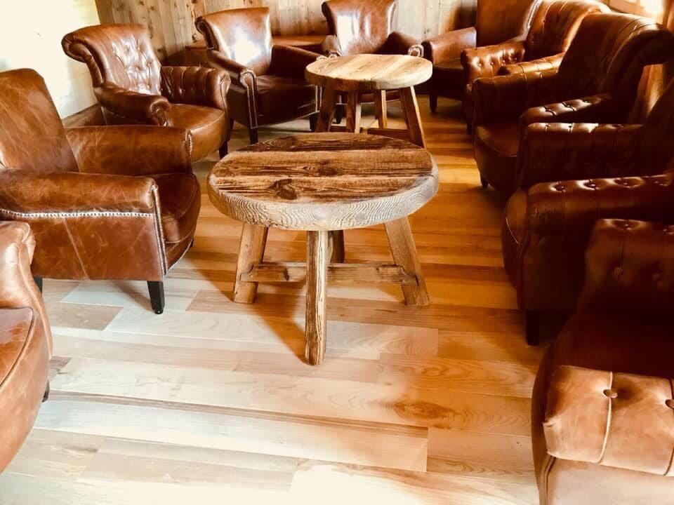 Table salon vieux bois